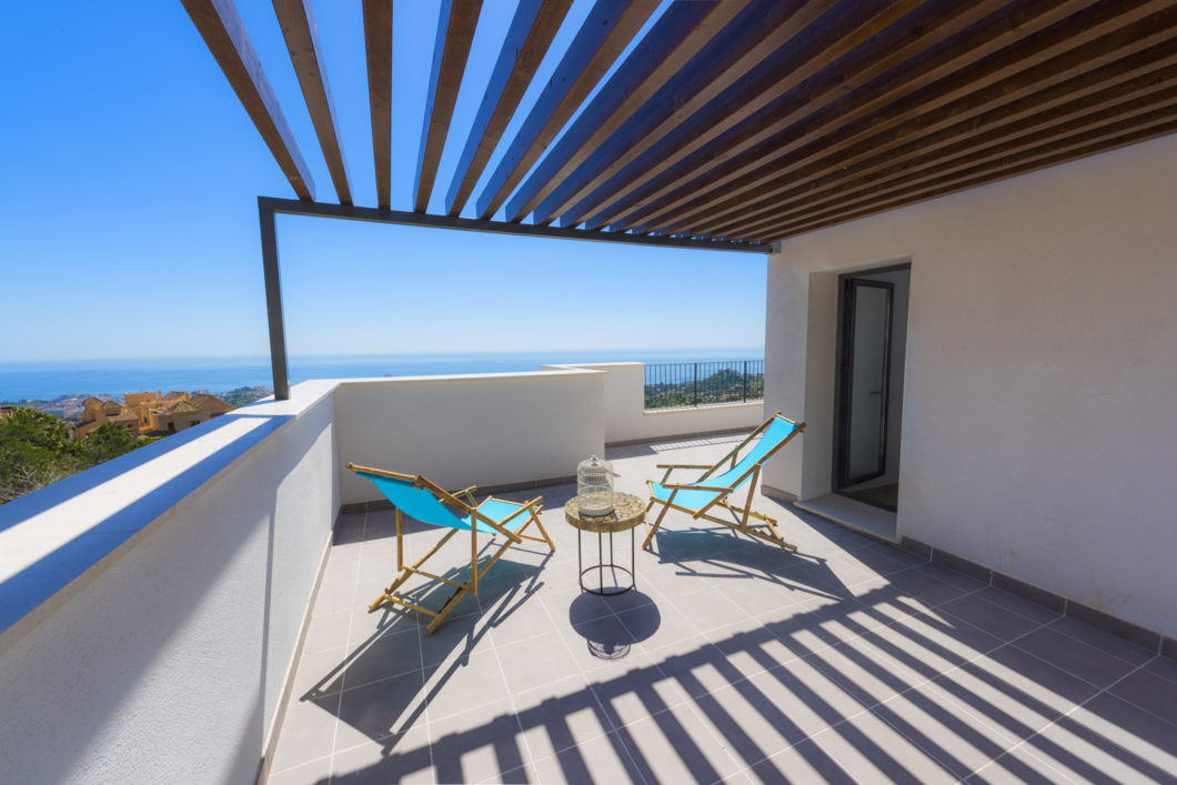 Sea view apartment for sale in Benalmadena, Costa del Sol