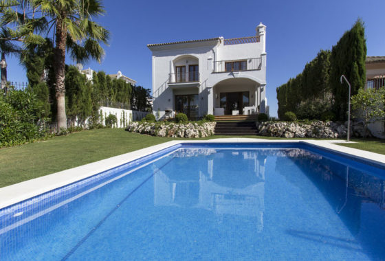 Golf villa for sale in the New Golden Mile Estepona