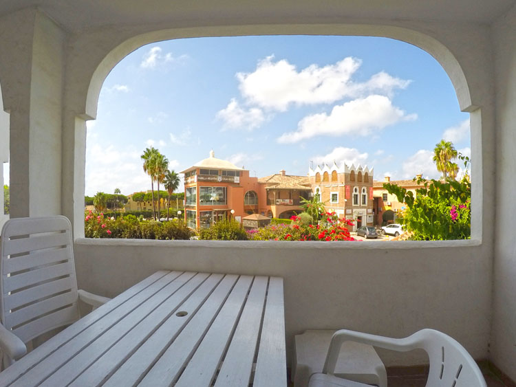 Rental investment apartment for sale in Calahonda, Costa del Sol