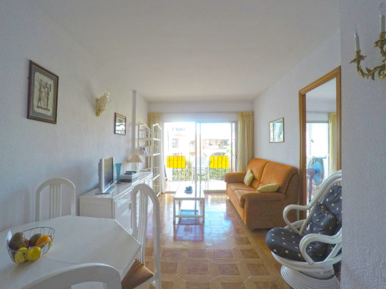 Rental investment property for sale in Calahonda, Mijas Costa