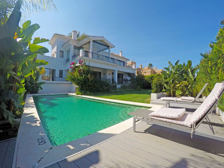 Luxury Marbella property with pool for sale