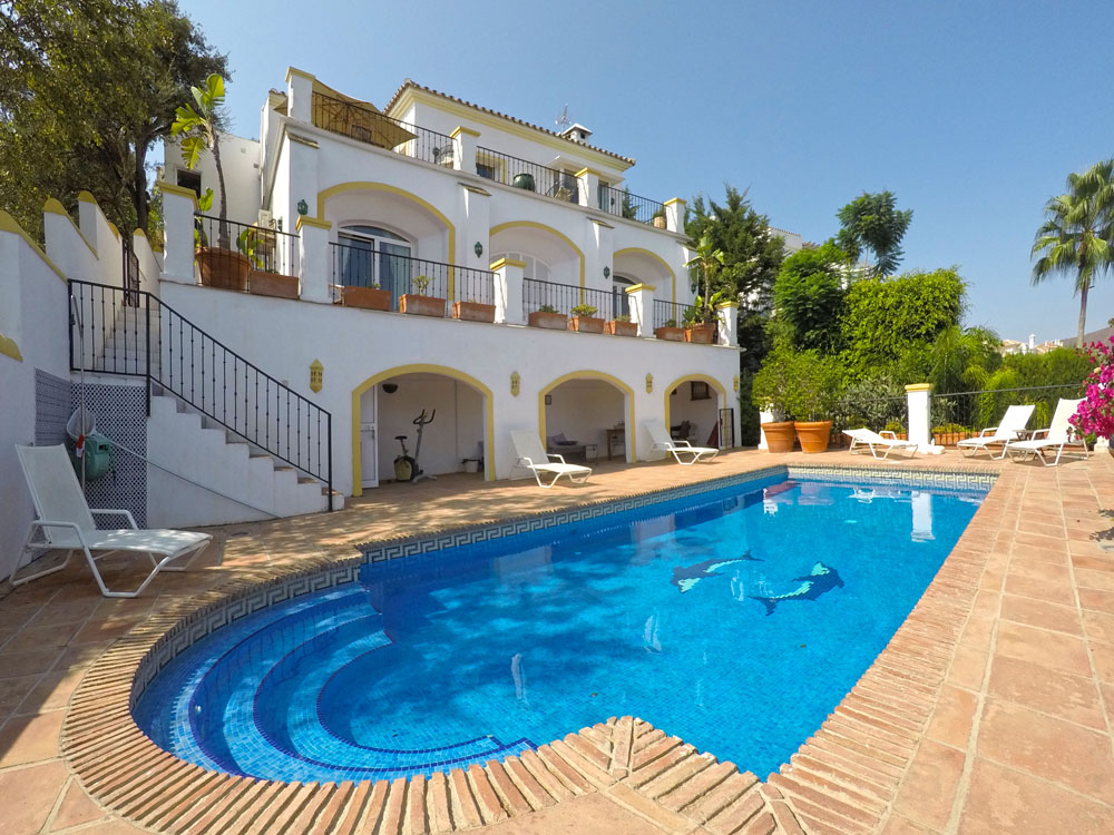 golf villa with pool for sale mijas costa