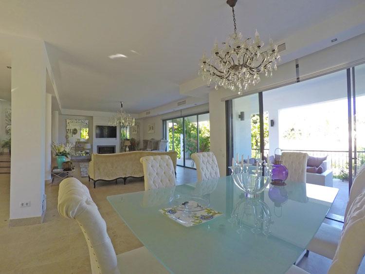 Luxury villa for sale in Nueva Andalucía