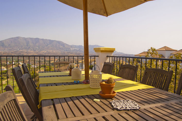 villa for sale with golf views la cala de mijas