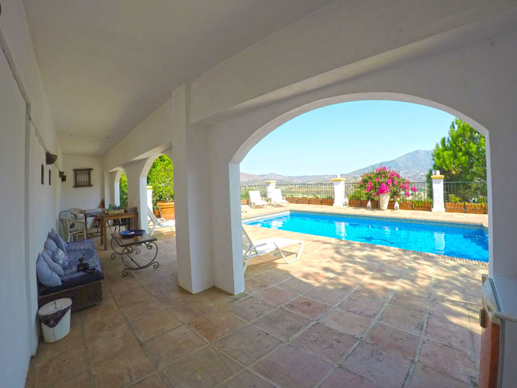villa for sale with golf views la cala resort