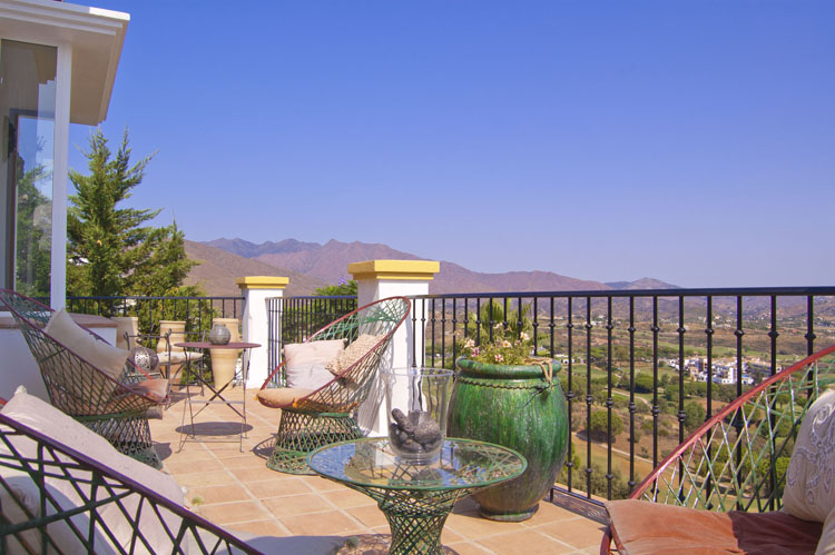 villa for sale with golf views mijas costa