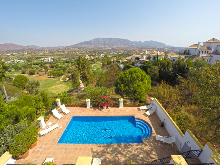villa with pool for sale la caa golf costa del sol