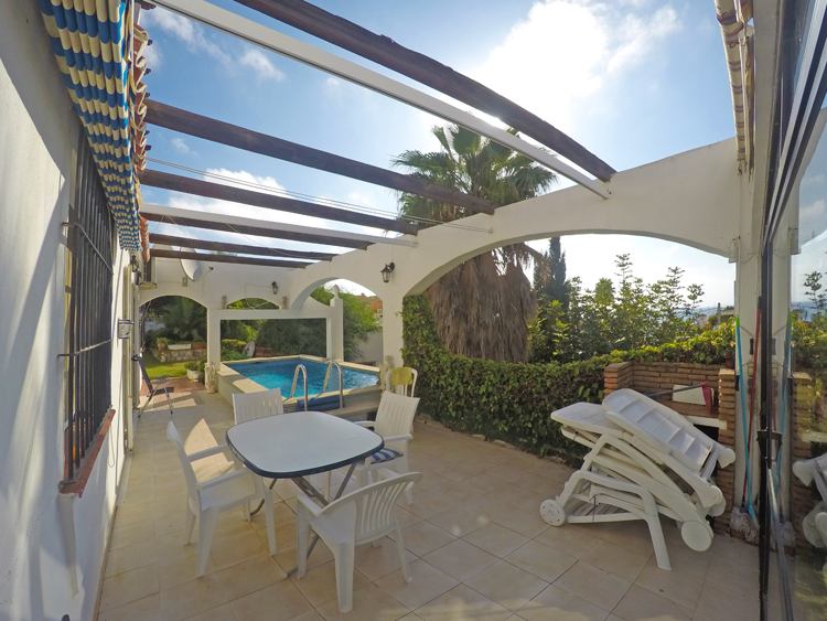 Villa with pool for sale in Mijas Costa