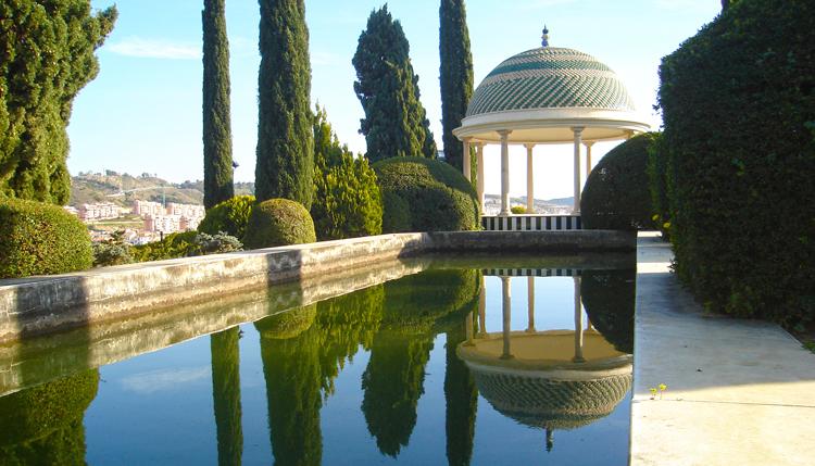 The gardens of the La Concepcion botanical gardens overlooking Málaga city