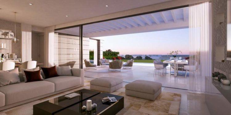 Sea view villa for sale in Marbella