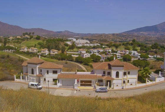 Luxury new build villa overlooking La Cala Golf in Mijas