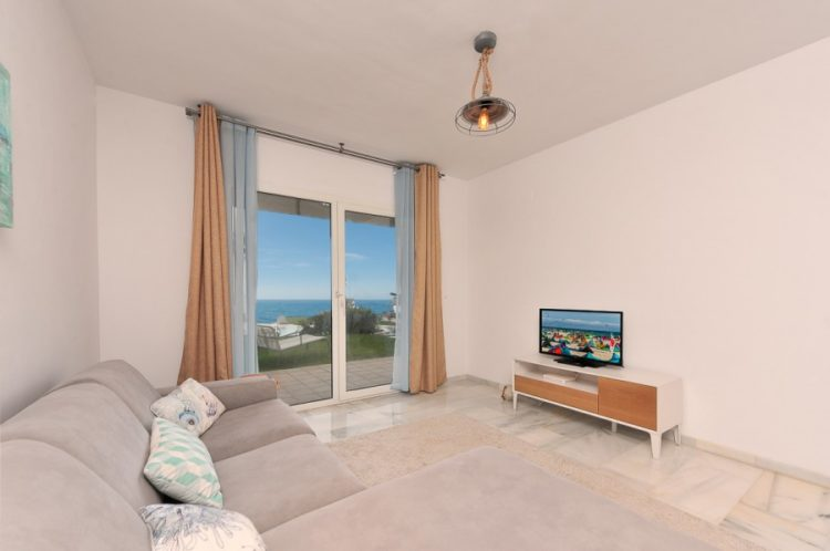 Beachfront apartment for sale in Calahonda