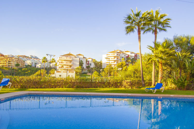 Sea view apartment for sale in Riviera del Sol
