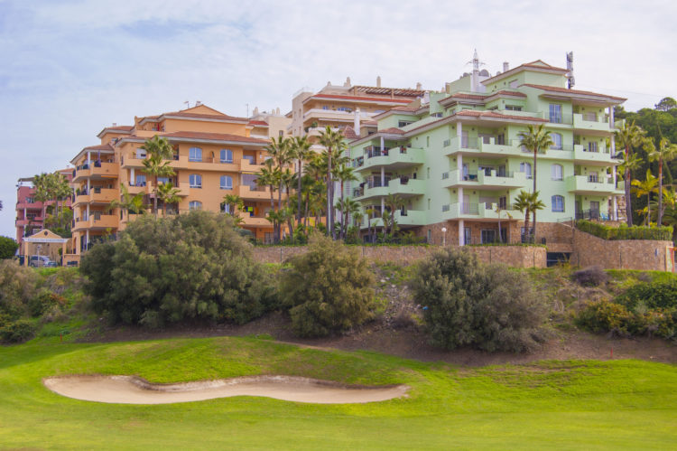 Golf view apartment for sale in Riviera del Sol