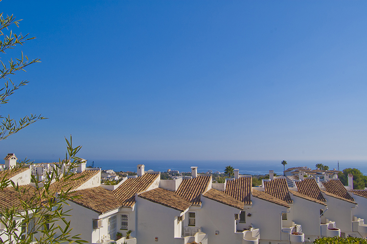 Sea view townhouse for sale in Calahonda