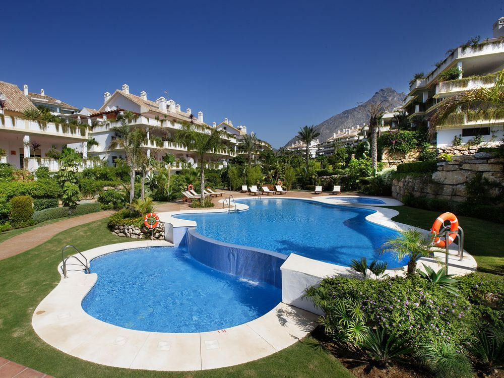Luxury penthouse for sale on Marbella's golden mile