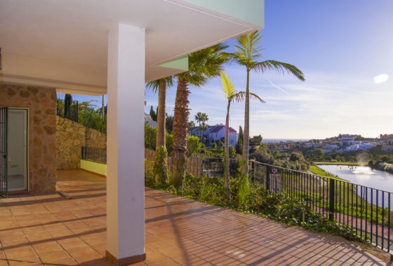 Sea view apartment for sale in Riviera del Sol